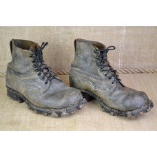 Boots for mountain troops