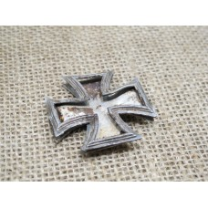 Iron cross 1 st class battle damaged relic EK1