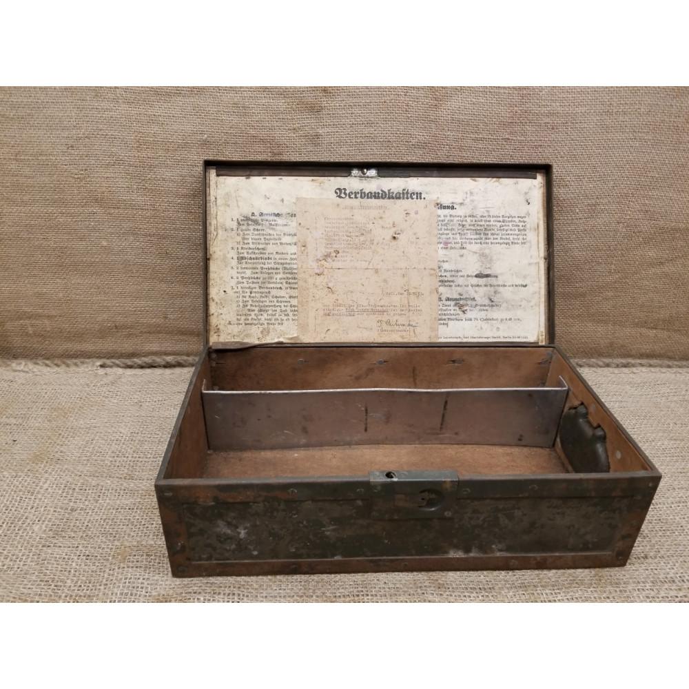 verbandkasten 1939 box. Black Bedroom Furniture Sets. Home Design Ideas